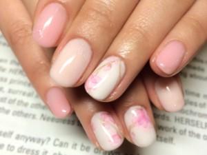 3月3日は桃の節句!桃の花色のネイルデザイン